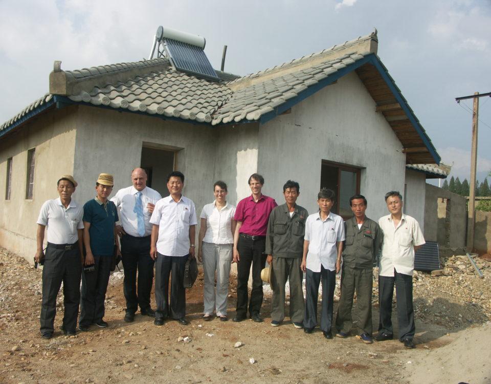 Einweihung erstes energieeffizentes koreanisches Farmhaus